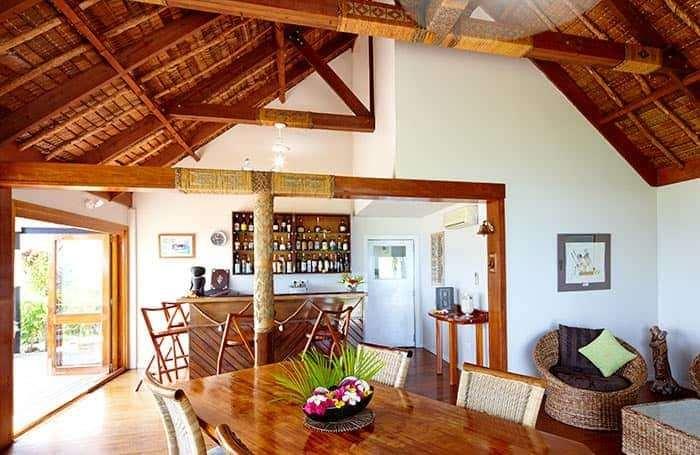 lounge room & bar wadigi island
